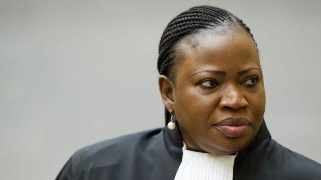 المدعية العامة فاتو بنسودا في قاعة المحكمة الجنائية الدولية في لاهاي، 18 ديسمبر 2012 (AP/Robin van Lonkhuijsen, Pool)