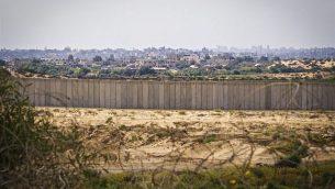 صورة للسياج الحدود المحيط بقطاع غزة من إسرائيل.  (Doron Horowitz/Flash90)