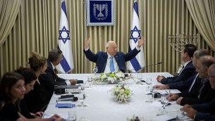 رئيس الدولة رؤوفين ريفلين يجتمع بأعضاء تحالف 'القائمة المشتركة' في مقر إقامة رئيس الدولة بالقدس، 22 سبتمبر، 2019.  (Yonatan Sindel/Flash90)