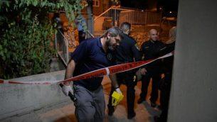 الشرطة في موقع جريمة قتل عنان لوابنة في مدينة الناصرة مساء الأحد، 23 سبتمبرن 2019.  (Israel Police Spokesperson)
