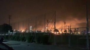 صورة شاشة من فيديو يظهر انفجارات في بقيق، السعودية، 14 سبتمبر 2019 (Twitter)