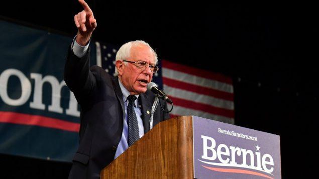 السناتور الساعي للفوز بترشيح الحزب الديموقراطي للانتخابات الرئاسية الاميركية عام 2020، بيرني ساندرز، في كاليفورنيا، 25 يوليو 2019 (Frederic J. Brown/AFP)