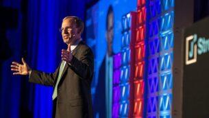 الرئيس التنفيذي لمنظمة 'جيه ستريت'، جيريمي بن عامي، يلقي كلمة في المؤتمر السنوي للمنظمة المنعقد في واشنطن، 15 أبريل، 2018.  (Courtesy, J Street)