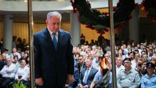 رئيس الوزراء بنيامين نتنياهو يلقي كلمة خلال مراسم تذكارية أقيمت في جبل هرتسل في القدس لقتلى حرب 'يوم الغفران'، 10 أكتوبر، 2019 (Flash90)