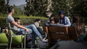 توضيحية: طلاب في حرم جامعة حيفا، 11 أبريل، 2016.  (Hadas Parush/Flash90)