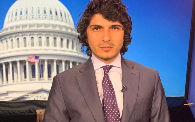 الناشط الفلسطيني المعارض لعباس، فادي السلامين، وهو في الأصل من قرية السموع الفلسطينية ويقيم حاليا في العاصمة الأمريكية واشنطن. (Courtesy of Fadi Elsalameen)