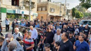 المئات يشاركون في مسيرة لإحياء الذكرى ال63 لمجزرة كفر قاسم، التي قتل فيها عناصر من شرطة حرس الحدود الإسرائيلية 48 شخصا من مواطني إسرائيل العرب، 29 أكتوبر، 2019.  (القائمة المشتركة)