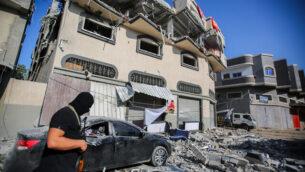 منزل القيادي في حركة 'الجهاد الإسلامي' الفلسطينية، بهاء أبو العطا، بعد قصفه في غارة إسرائيلية في مدينة غزة، 12 نوفمبر، 2019.  (Hassan Jedi/Flash90)