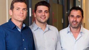 (من اليسار الى اليمين) مؤسسي شركة Team8، نداف تسفرير وليران غرينبرغ ويسرائيل غريمبرغ.  (Courtesy)