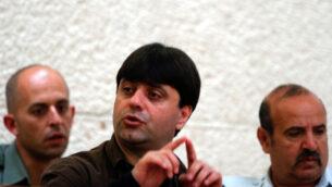 عوفر مكسيموف يحضر جلسة استماع في المحكمة العليا، 9 نوفمبر 2004. (Flash90)