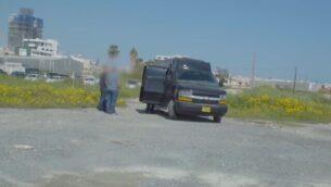 """'سيارة تجسس' مزعومة يملكها ضابط سابق في المخابرات الإسرائيلية، كما تظهر في مقطع فيديو نشرته مجلة """"فوربز""""، 4 سبتمبر، 2019.  (screenshot: YouTube)"""