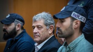 """رجل الأعمال الإسرائيلي ميكي غانور، المعتقل في قضية الغواصات المسماة """"القضية 3000""""، خلال جلسة في المحكمة العليا بالقدس، 22 مارس، 2019. (Yonatan Sindel/Flash90)"""