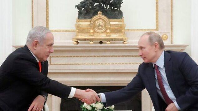 الرئيس الروسي فلاديمير بوتين يلتقي برئيس الوزراء بنيامين نتنياهو في الكرملين بموسكو، 30 يناير،  2020. (MAXIM SHEMETOV / POOL / AFP)