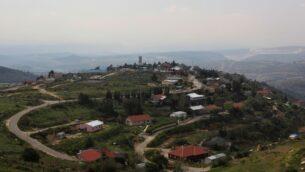 مستوطنة بات عاين في الضفة الغربية (Kobi Gideon/Flash90)