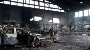صورة توضيحية: صور نشرتها وسائل إعلام إيرانية تظهر كما يُزعم قاعدة التياس الجوية في وسط سوريا بعد تعرضها لهجوم صاروخي نسب الى اسرائيل في 9 ابريل 2018. (Iranian media)