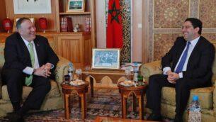 وزير الخارجية الأمريكي مايك بومبيو يلتقي مع وزير الخارجية المغربي ناصر بوريطة (يمين) خلال زيارته إلى الرباط، 5 ديسمبر 2019. (AFP)