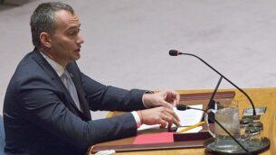 المنسق الخاص للأمم المتحدة لعملية السلام في الشرق الأوسط، نيكولاي ملادينوف، خلال كلمة له في جلسة لمجلس الأمن حول الوضع في الشرق الأوسط، 24 مارس، 2016، في مقر الأمم المتحدة بنيويورك. (AP Photo/Mary Altaffer)