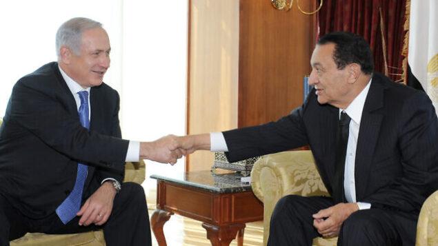 الرئيس المصري حسني مبارك يلتقي برئيس الوزراء الإسرائيلي بنيامين نتنياهو في منتجع جبل الشيخ المصري لبحث استئناف المفاوضات مع الفلسطينيين، 6 يناير،  2011. (GPO)