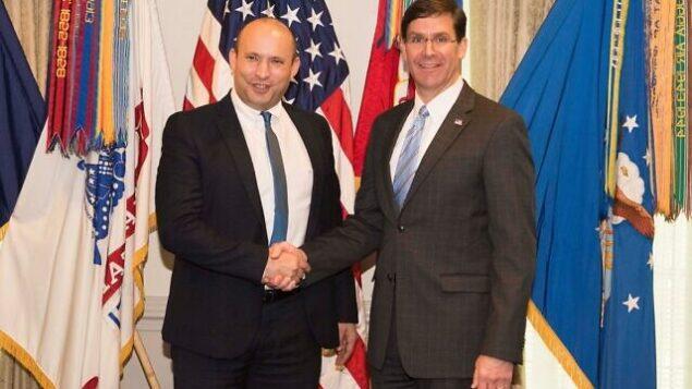 وزير الدفاع نفتالي بينيت، يسار، يلتقي بنظيره الأمريكي مارك إسبر في العاصمة الأمريكية واشنطن، 4 فبراير، 2020.  (US Department of Defense)