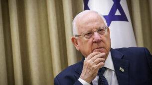 رئيس الدولة رؤوفين ريفلين في مقر رؤساء إسرائيل في القدس، 6 يناير، 2020. (Flash90)