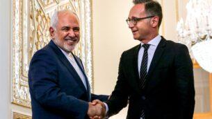 وزير الخارجية الإيراني محمد جواد ظريف (يسار) يستقبل نظيره الألماني هيكو ماس في العاصمة طهران، 10 يونيو 2019. (ATTA KENARE / AFP)