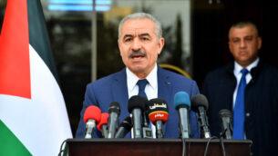 رئيس وزراء السلطة الفلسطينية محمد اشتية خلال مؤتمر صحفي، 13 أبريل 2020 (Wafa)
