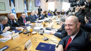 الاجتماع الأسبوعي لمجلس الوزراء في مكتب رئيس الوزراء في القدس، 29 ديسمبر 2019 (Marc Israel Sellem/Pool/Flash90)