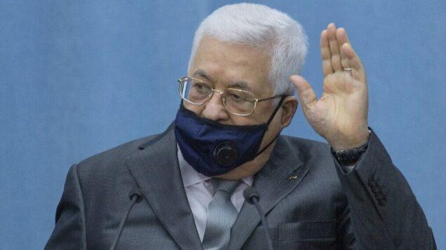 رئيس السلطة الفلسطينية محمود عباس في مقره بمدينة رام الله بالضفة الغربية، 7 مايو 2020. (Nasser Nasser / Pool / AFP)