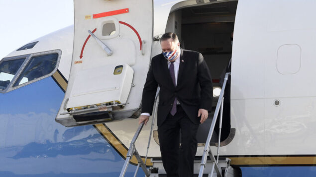 وزير الخارجية الأمريكي مايك بومبيو يصل إلى إسرائيل في زيارة ليوم واحد، 13 مايو 2020 (Matty Stern/US Embassy Jerusalem)