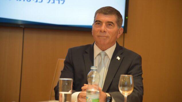 وزير الخارجية القادم غابي أشكنازي في وزارة الخارجية في القدس، 18 مايو 2020 (Foreign Ministry)