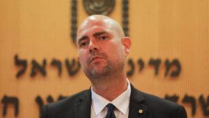 وزير الأمن العام أمير أوحانا يعقد مؤتمرا صحفيا في القدس، 15 يوليو، 2020.(FLASH90)