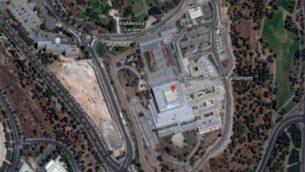 لقطة شاشة لمبنى الكنيست في القدس كما يظهر على 'غوغل إيرث'. (Google Earth)