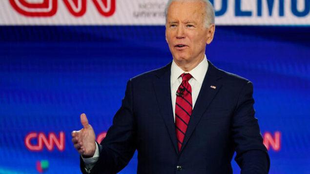 جو بايدن يشارك في المناظرة الرئاسية الديمقراطية في استوديوهات CNN في واشنطن، 15 مارس 2020 (AP Photo / Evan Vucci)