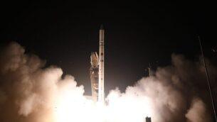 إنطلاق قمر التجسس الإسرائيلي 'أوفيك-16' من وسط إسرائيل في 6 يوليو، 2020.(Defense Ministry)