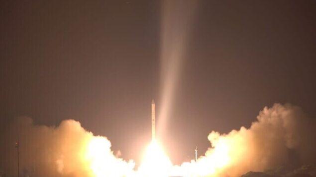 إطلاق قمر التجسس الإسرائيلي 'أوفيك-16' من وسط إسرائيل في 6 يوليو، 2020.(Defense Ministry)