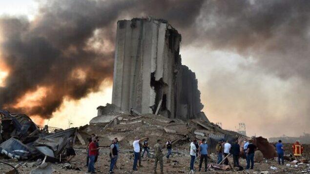 صومعة مدمرة في موقع انفجار في ميناء العاصمة اللبنانية بيروت ، 4 أغسطس 2020 (STR / AFP)
