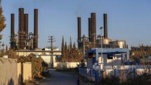 محطة لتوليد الكهرباء في وسط قطاع غزة، 17 اغسطس، 2020. ش(Mohammed ABED / AFP)