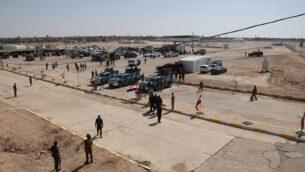 صورة توضيحية: قوات الأمن العراقية تستعد لفتح المعبر بين بلدة القائم العراقية والبوكمال السورية، في القائم بالعراق، 30 سبتمبر 2019. (AP Photo / Hadi Mizban)