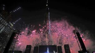 الألعاب النارية امام برج خليفة، أطول مبنى في العالم، خلال حدث للاحتفال بمعرض إكسبو دبي 2020، 20 أكتوبر 2019 (Kamran Jebreili / AP)