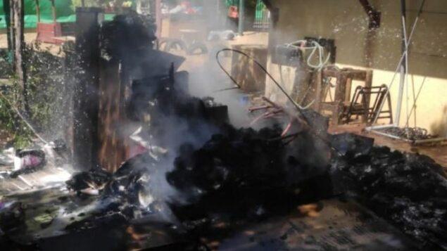 اضرار ناتجة عن سقوط بالون حارق خارج روضة اطفال في سديروت، 17 اغسطس 2020 (Israel Fire Department)