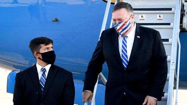 وزير الخارجية الأمريكي مايك بومبيو يصل إلى مطار بن غوريون، 24 أغسطس، 2020. (Matty Stern/US Embassy Jerusalem)