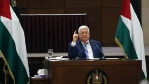 رئيس السلطة الفلسطينية محمود عباس يترأس اجتماعا مشتركا للقيادة الفلسطينية، بعد اتفاق التطبيع الإسرائيلي مع الإمارات العربية المتحدة، 18 أغسطس 2020 (Wafa)