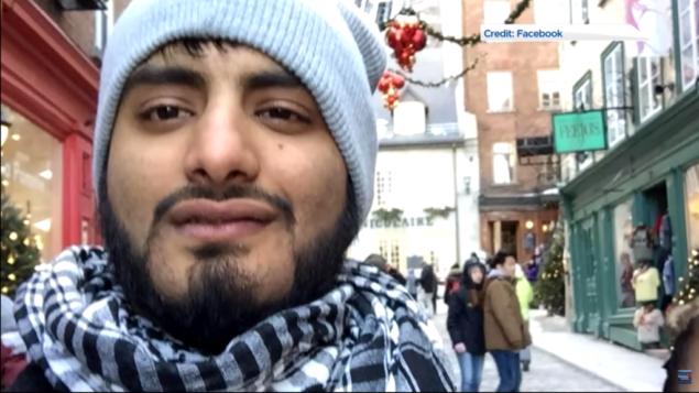 الكندي شرهوز شودري، الذي يستخدم لقب أبو حذيفة، والذي يواجه تهم باختلاق ماضٍ إرهابي (screen capture: YouTube)