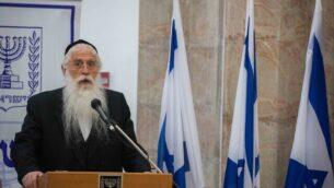 نائب وزير التربية والتعليم مئير بوروش في وزارة التربية والتعليم في القدس، 18 مايو، 2020. (Olivier Fitoussi / Flash90)