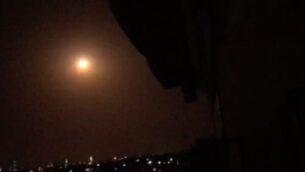 صاروخ أرض جو سوري ينفجر في اجواء جنوب سوريا، 31 أغسطس 2020 (SANA)