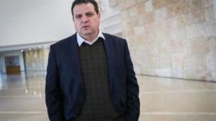 زعيم القائمة المشتركة، عضو الكنيست أيمن عودة، في المحكمة العليا في القدس، 5 فبراير 2020 (Yonatan Sindel / Flash90)