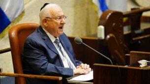 رئيس الدولة رؤوفين ريفلين يتحدث في افتتاح الدورة الشتوية للكنيست، 12 اكتوبر 2020 (Yaniv Nadav / Knesset Spokesperson's Office)