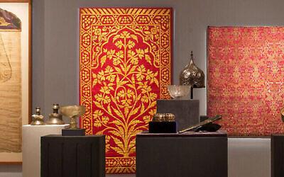 حوالي 190 قطعة من متحف الفنون الإسلامية   على اسم ليو اري ماير من المعتزم بيعها في دار 'سوذبيز' في لندن، 27 أكتوبر، 2020.  (Courtesy Sotheby's)