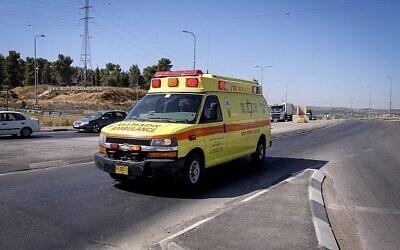 صورة توضيحية لسيارة إسعاف تابعة لنجمة داوود الحمراء. (Gershon Elinson/Flash90)
