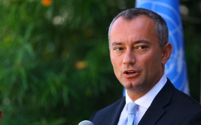 نيكولاي ملادينوف، منسق الأمم المتحدة الخاص لعملية السلام في الشرق الأوسط، يتحدث خلال مؤتمر صحفي في مقر اليونسكو في مدينة غزة، 25 سبتمبر 2017. (AFP / MOHAMMED ABED)